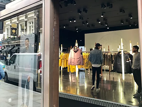 LONDON – SHOPPING TIPS FROM A TEENAGE FASHIONISTA